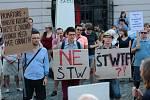 Demonstrace proti stavbě výškové budovy v lokalitě Šantovka v červenci 2018