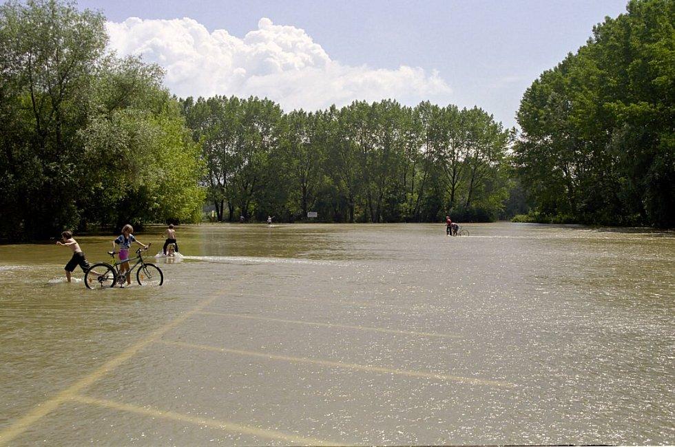 Parkoviště na Poděbradech