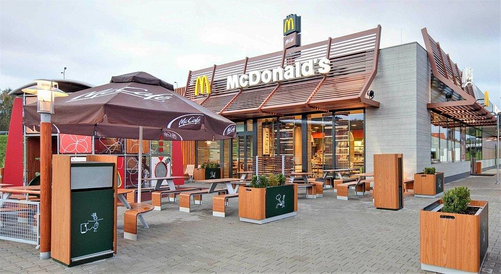 V nové restauraci McDonald's na D35 u Litovle bude použit design Natural Integrity.