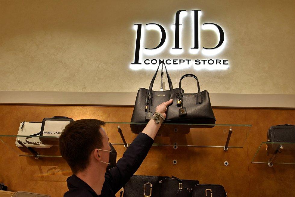 Nová prodejna PFB Concept Store v 1. patře olomoucké Šantovky, 8. 5. 2021