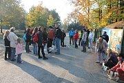 Před zoologickou zahradou na Svatém Kopečku u Olomouce se v neděli dopoledne sešli chovatelé malých kontinentálních španělů.