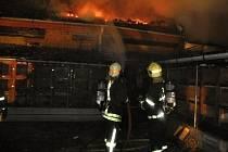 Požár tří hospodářských budov v Náměšti na Hané