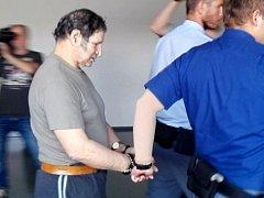 Jozef R. obžalovaný ze znásilnění vnuček u olomouckého krajského soudu