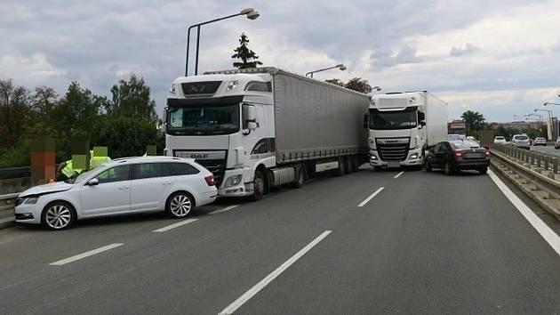 Nehoda ve Velkomoravské ulici v Olomouci, 21. září 2021