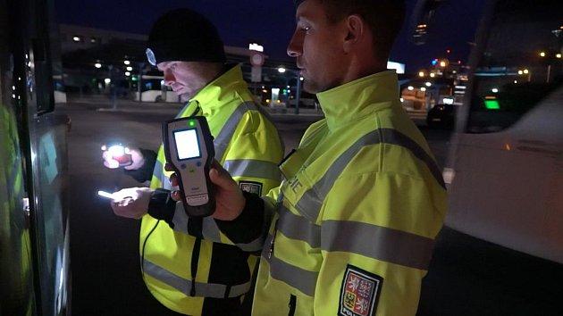 Policejní kontrola řidičů autobusů v Olomouci