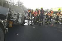 Havárie cisterny s asfaltem na D46 u Olšan, 9. 12. 2020