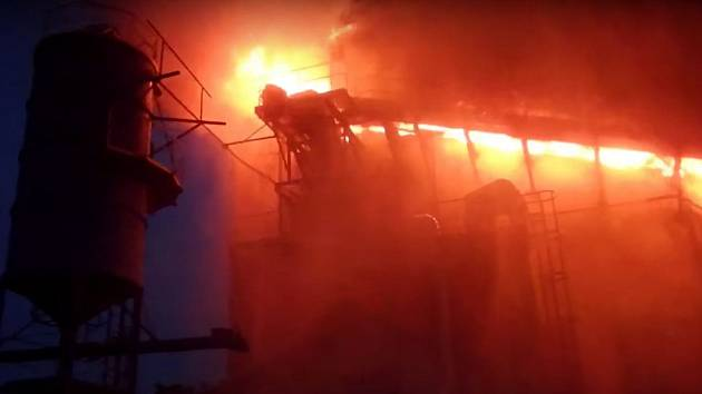 Požár pásového dopravníku v Litovli