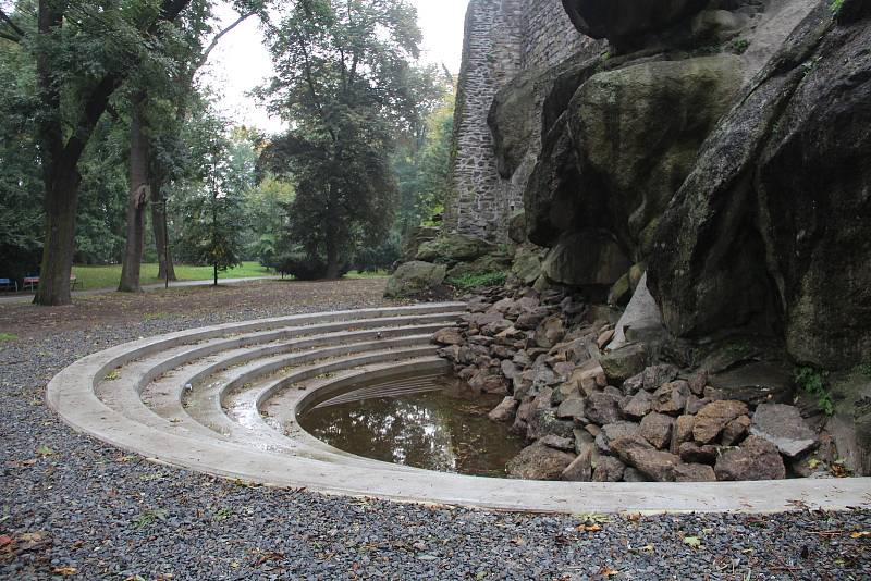 Vodopád v Bezručových sadech v Olomouci, 7. října 2021.