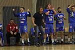 Trenér Tatranu Ivo Vávra s hráči