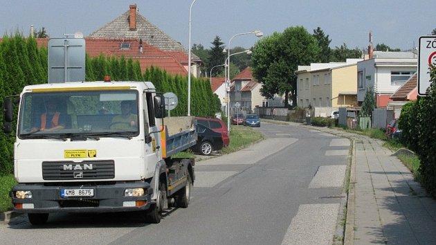 V Balcárkově ulici si stěžují na náklaďáky