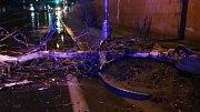 Hasiči likvidují následky vichřice, která v noci na pondělí 11. 3. 2019 zasáhla Olomoucký kraj.