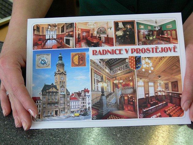 Nová pohlednice prostějovské radnice