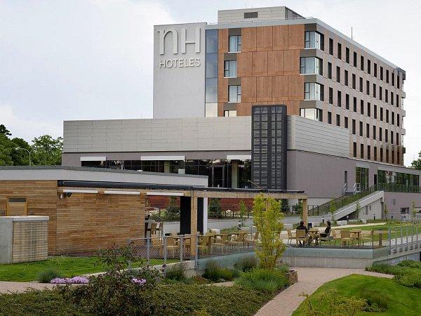 Čtyřhvězdičkový NH hotel uAndrova stadionu vOlomouci. Ilustrační foto