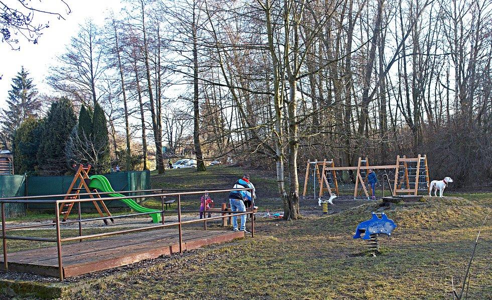 Dětské hřiště v Olomouci. 2. března 2021