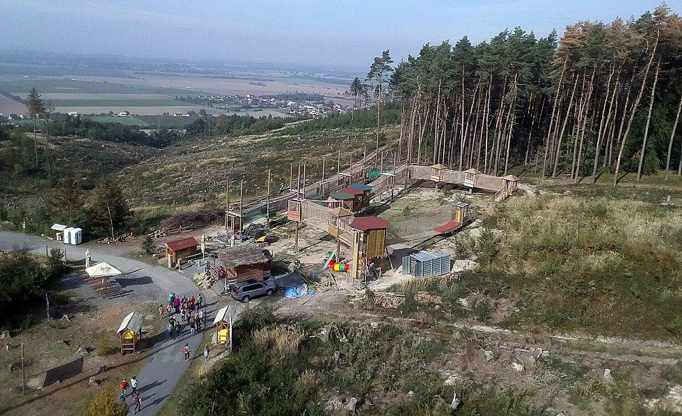 Olomoucká zoo na konci září 2019: po vichřici nové ohrady, opravený Lanáček a hromada vytěženého dřeva