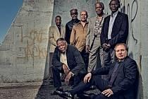 The Cookers je skupina jazzových mistrů těžké váhy, podíleli se na nahrávkách, jež definují moderní jazz.