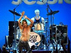 Nenechte si ujít koncert Iggyho Popa, punk-rockové legendy v olomoucké kině Metropol.