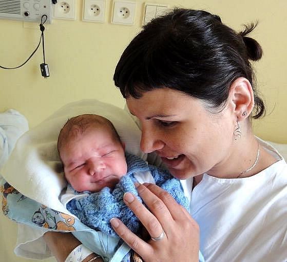 Vít Petráš, Olomouc, narozen 22. května v Olomouci, míra 52 cm, váha 3550 g.