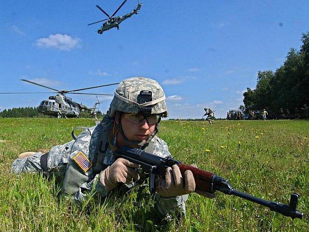 Mezinárodní cvičení Joint Corral texaské národní gardy a prostějovských vojáků na Libavé