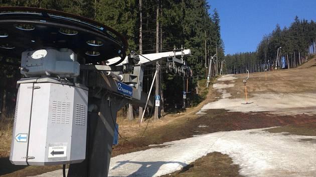 Ve středisku Bílá v Beskydech se lyžovalo ještě o Velikonocích – díky umělému sněhu
