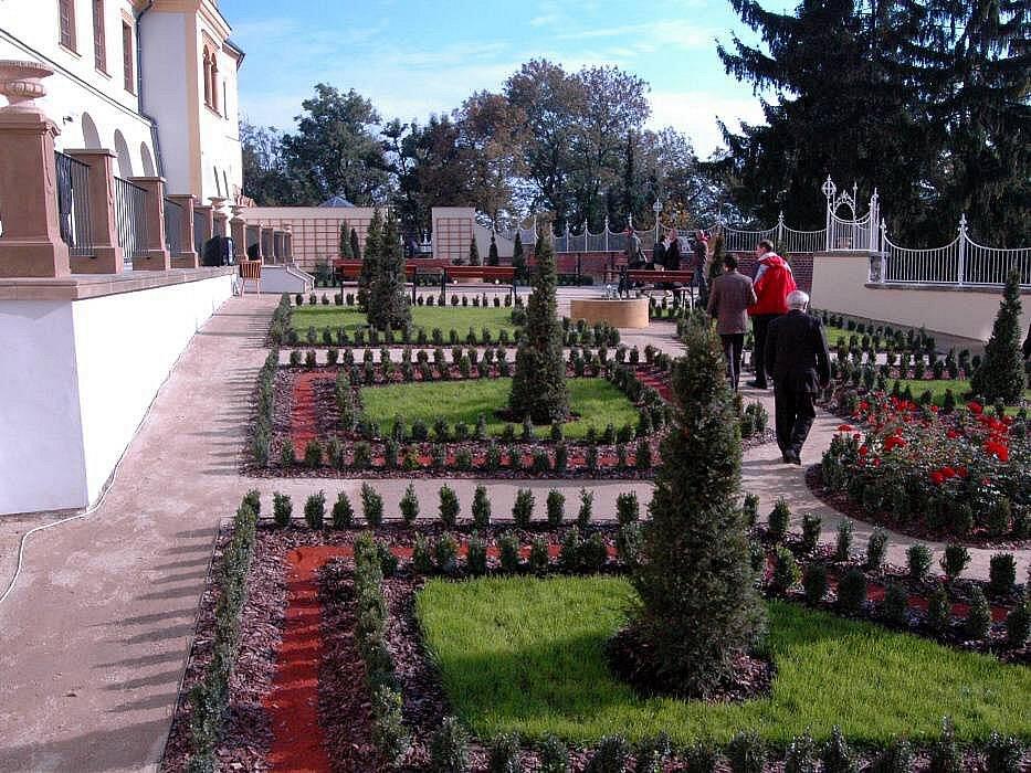 Parkánové zahrady mezi hradbami v Bezručových sadech a univerzitními budovami v Křížkovského ulici v Olomouci
