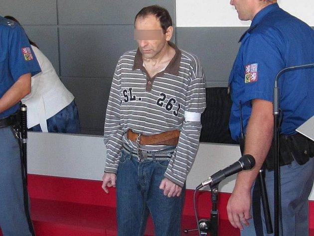 Obviněný z ubití bezdomovce v Soběchlebech před krajským soudem