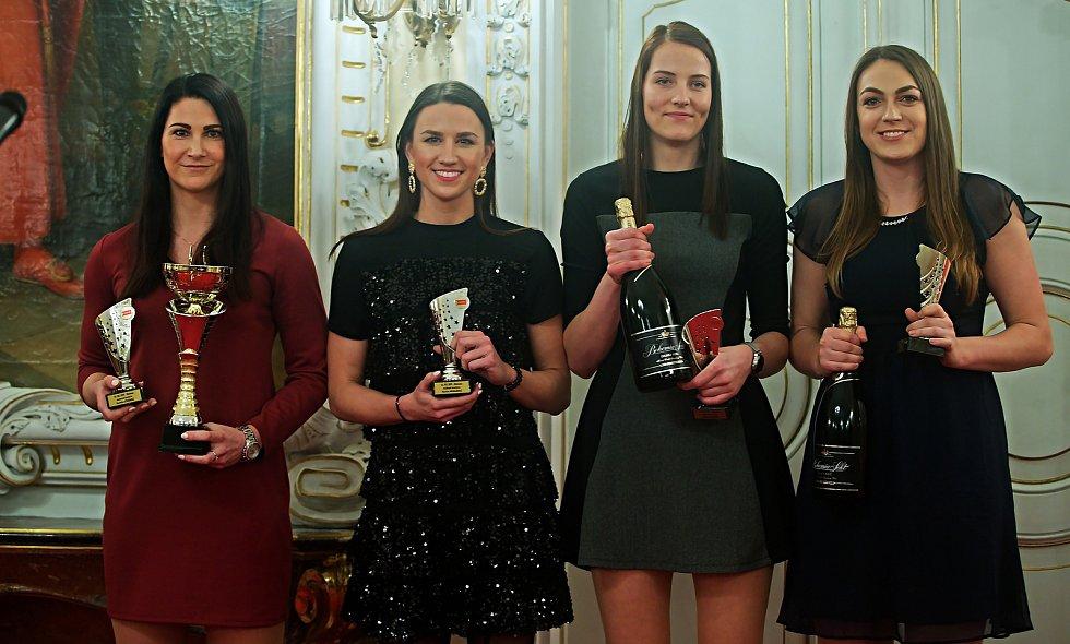 Olomoucké volejbalistky (zleva Veronika Strušková, Martina Michalíková, Gabriela Orvošová a Veronika Trnková).