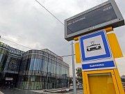 Tramvajová zastávka u Galerie Šantovka