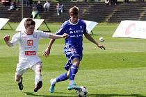 Fotbalisté Sigmy B (v modrém) proti Třebíči