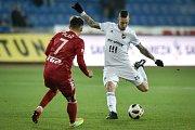 Utkání 19. kola první fotbalové ligy: Baník Ostrava - Sigma Olomouc, 14. prosince 2018 v Ostravě. Na snímku (zleva) Václav Pilař a Jiří Fleišman.