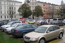 Palachovo náměstí - na místě olomoucké synagogy je teď parkoviště