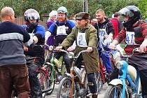 Závody mopedů v Pňovicích