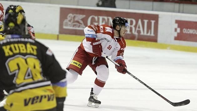 Olomoucký hokejista Jakub Matai.
