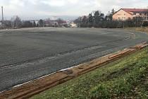 Stavba atletického stadionu ve Šternberku, 9. prosince 2020
