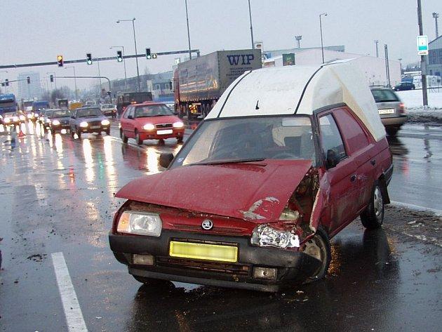 Havárie na Lipenské. Ilustrační foto.