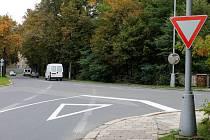 Křižovatka ulic Dobrovského a Dlouhá