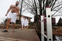 Sauna v maringotce na přírodním koupališti Poděbrady u Olomouce. Leden 2019