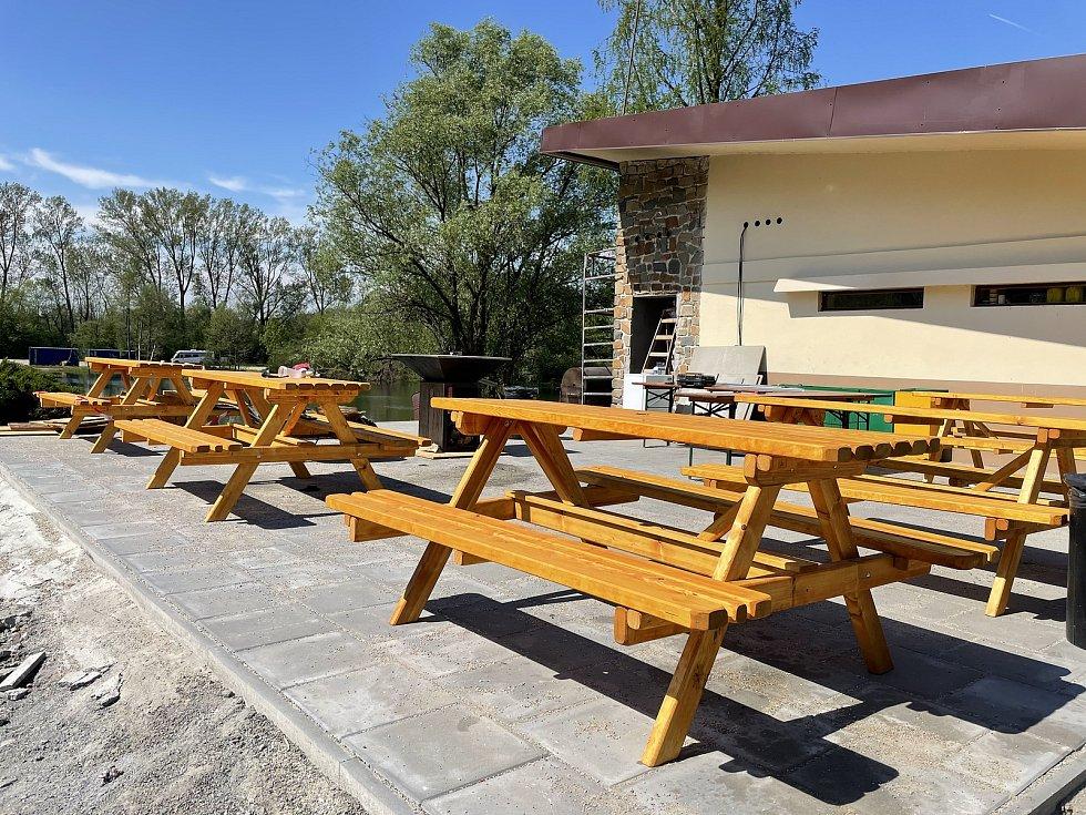 Nové posezení u grilu, restaurace Terasa na Poděbradech u Olomouce, 12. května 2021