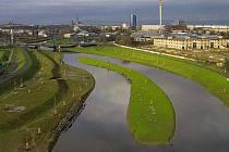 Řeka Morava na jihu Olomouce po protipovodňových opatřeních