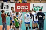 Prostějov (v modrém) v semifinále poháru porazil Přerov 3:1.