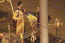 Mladík vzal značku od výkopu na Žižkově náměstí a hodil ji do řeky Moravy