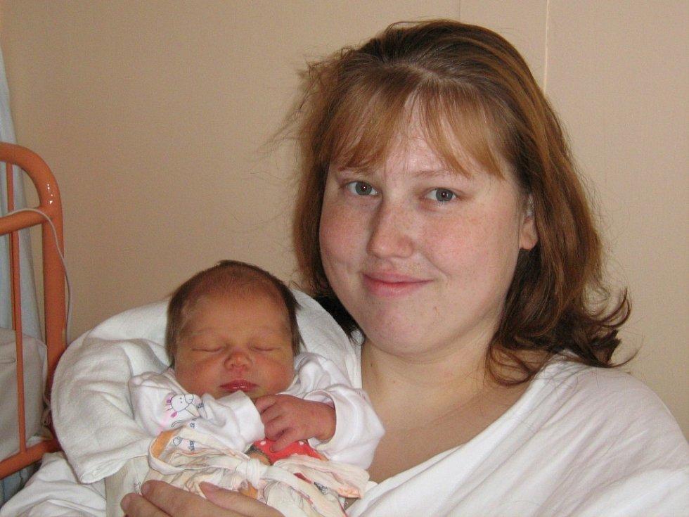 Monika Perdochová, narozená 8.11.2007 v Olomouci, váha: 2800 g, míra: 48 cm, Plumlov