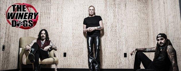 """Americká rocková """"superskupina"""" The Winery Dogs vystoupí v pátek 19. února v Olomouci."""