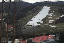 15. března 2019. Sezona na kopci v Hlubočkách skončila. Nadšenci si užívali posledního jarního lyžování.