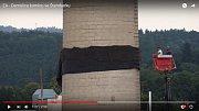 Pád obřího komínu ve Šternberku