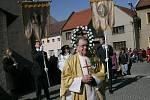 Farář doprovodí každý průvod až do kostela.