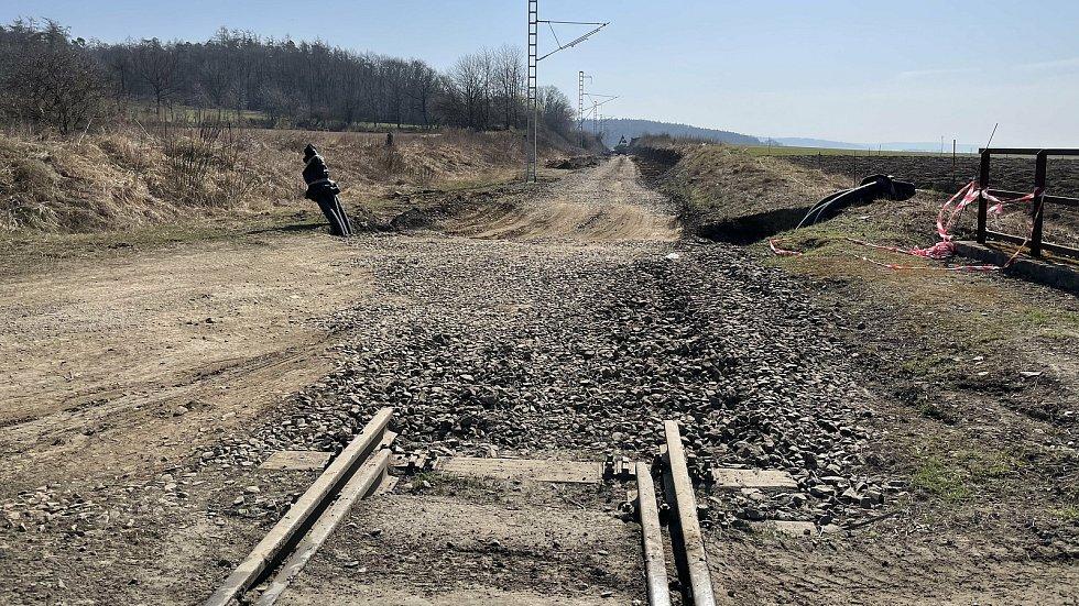 Železniční trať č. 290 v úseku Šternberk–Uničov prochází zásadní přestavbou, Mladějovice, 1. dubna 2021