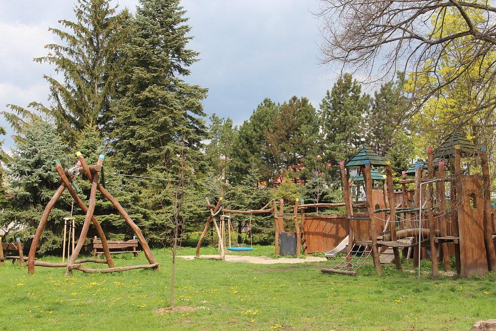 Dětské hřiště v Ústíně