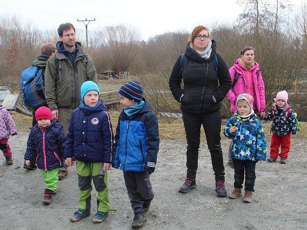 O životě bobrů, nejznámějších vodních hlodavců, se mohli v sobotu dozvědět spoustu zajímavostí návštěvníci ekologického centra Sluňákov v Horce nad Moravou na Olomoucku. Tato zvířata žijící v oblasti Litovelského pomoraví se jim sice neukázala, zájemci vš
