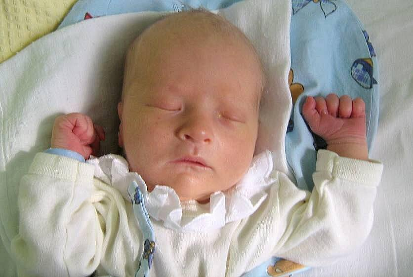 Tobias Prokeš, Drahlov, narozen 6. března v Olomouci, míra 52 cm, váha 3530 g